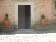 Η είσοδος του Ι. Ναού.